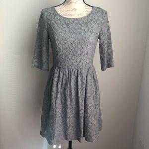 KENSIE | Gray Flower Laced Dress Size S